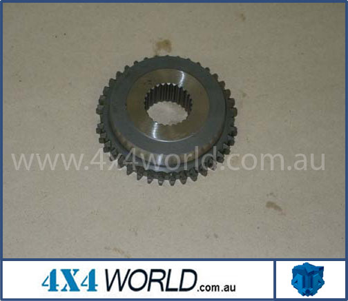 Toyota Landcruiser HJ75 FJ75 Series Gearbox - Hub 5th Gear -87